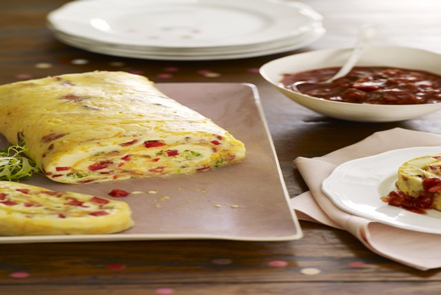 BACON OMELET ROLL