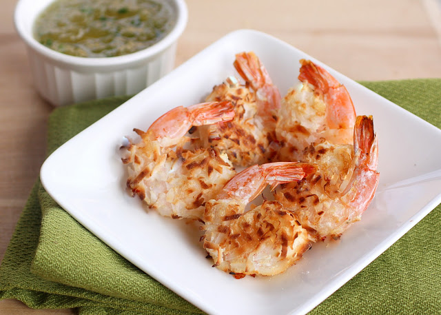 Baked Coconut Shrimp with Pineapple Dipping Sauce - the-girl-who-ate-everything.com