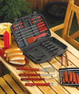 19_PC_DELUXE_BBQ_TOOL_SET_IN_CASE_1__99229.1431015034.490.588