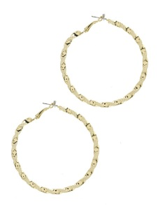 TEXTURED METAL HOOP EARRING