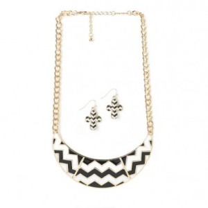 CHEVRON NECKLACE & EARRINGS SET