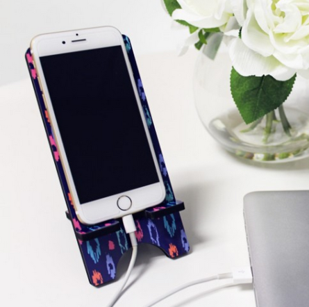 LANEY LEOPARD PHONE STAND